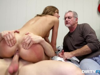 Mature Foot Sniffing and Footjob