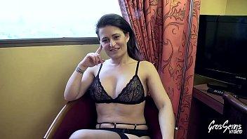 Amélie, première pluralité pour une salope sexy