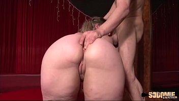 Peggy: entretien d'embauche qui finit en sodomie