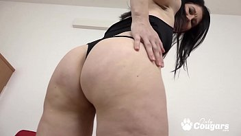 Mommy Niky Puts A BBC In Her Chunky White Butt