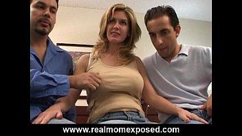 Homemade Older Babe Hook Up POV Blowjob Sex Video