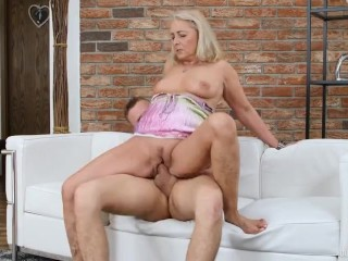 Slutty Milf Homemade Fuck