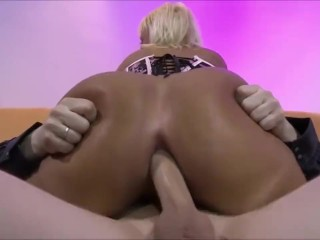 GERMAN MILF LOVES ANAL-SEX