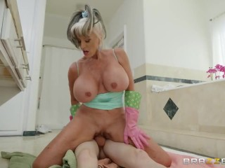 Teen gets fucked by grandma