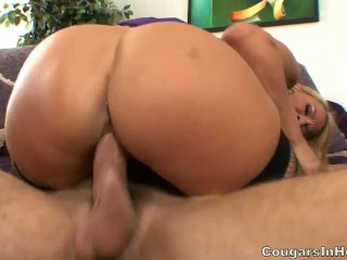Sex with a very beautiful Mature lady
