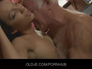Asian Kalina Ryu parts her pussy lips wide for a fucking